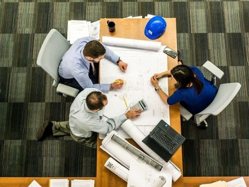 ilustrativna fotografija poslovnog ureda